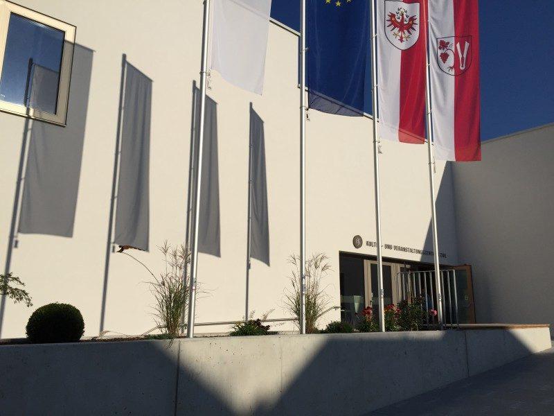 01 B4 Veranstaltungszentrum Außenansicht