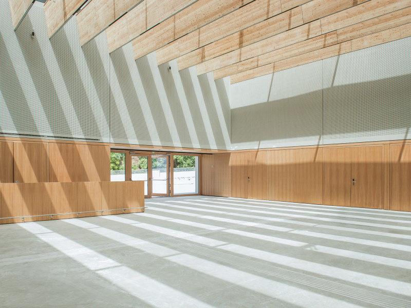 12 B4 Veranstaltungszentrum Foyer 3