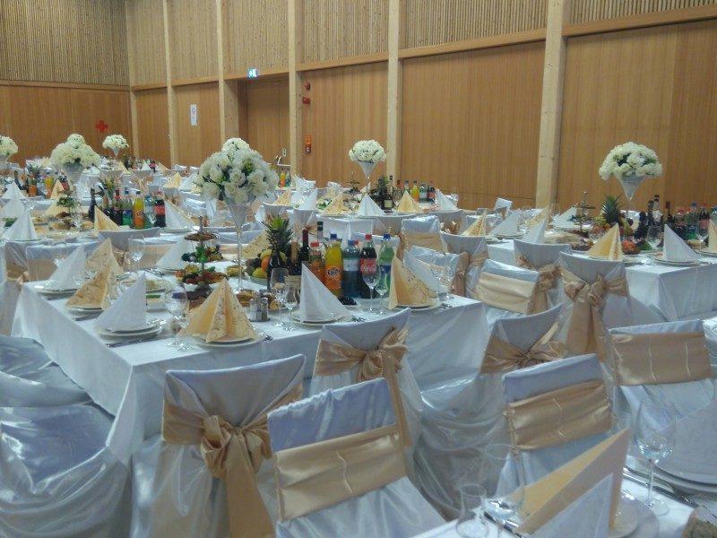 B4 Veranstaltungszentrum Hochzeit geschmückter Saal